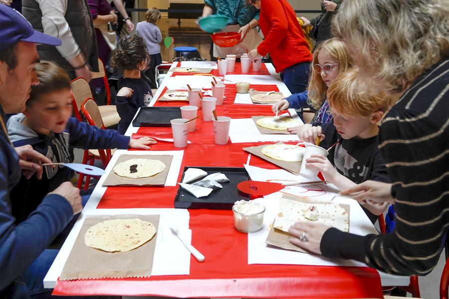 atelier parents enfant dessiner avec des aliments