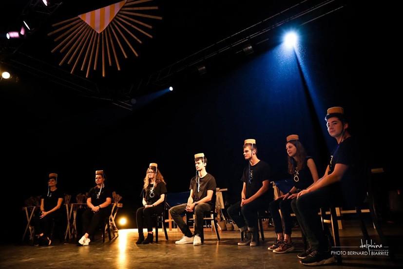 serveurs sur la scène